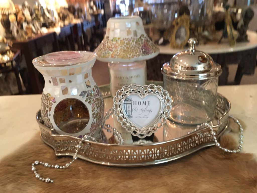 Dienblad zilver compleet met decoratie en geurset for Decoratie zilver